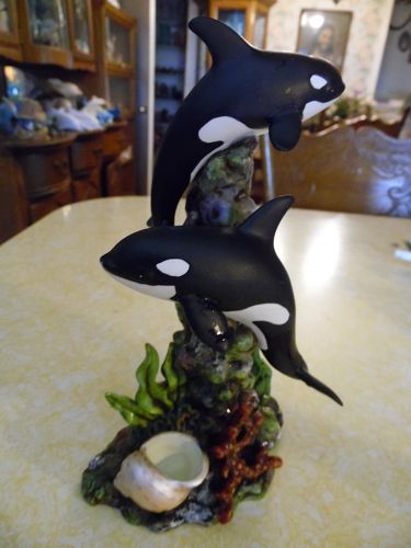 Beautiful two orca killer whales fine porcelain figurine