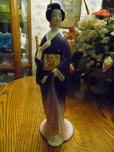 Antique Seyei fine Porcelain JAPAN Geisha woman hand painted decanter