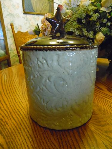 Home Studio Laredo stoneware cookie jar Texas star cowboy decor