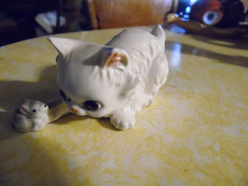 Josef Originals white persian kitten and mouse figurine