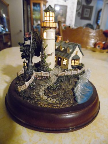"Thomas Kinkade A light In The Storm "" Lighted Lighthouse"