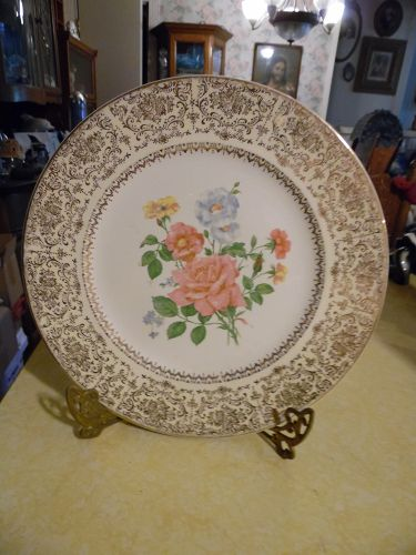 Salem China Carolyn service charger floral center white rim with gold