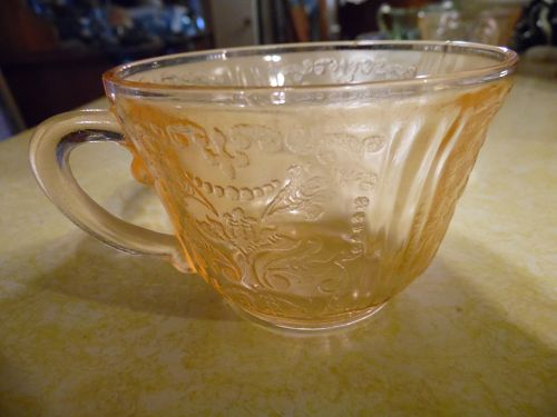 Vintage pink Madrid single cup by Federal Glass