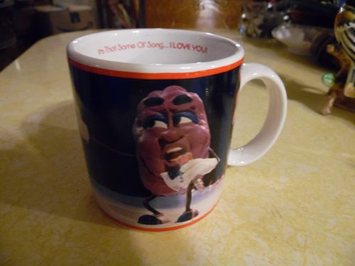 Vintage 1987 California Raisins cup mug Its that same ol song