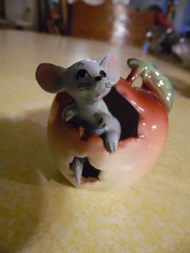 Sweet vintage mouse in an apple figurine A33