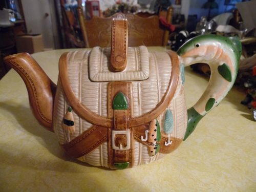 Ceramic fishing creel teapot