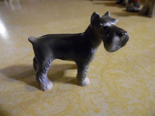 Hagen Renaker grey and white schnauzer figurine 898