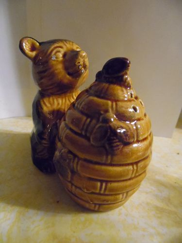 Adorable ceramic bear with beehive salt and pepper shakers