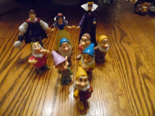 1993 Mattel Snow White and Seven Dwarfs  PVC Figure Complete Set
