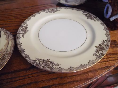"""Vintage Noritake Revenna 10"""" dinner plate"""