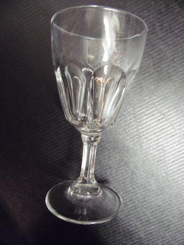 Cristal D'Arques-Durand Petale wine glass