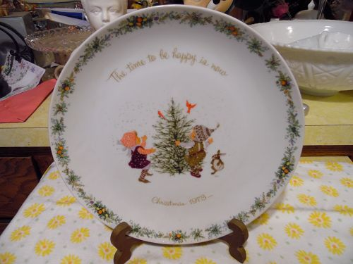 Vintage Holly Hobbie Christmas plate 1973 The time to be happy is now