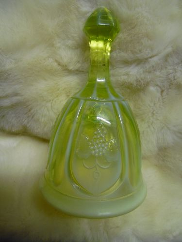 Vintage Fenton topaz opalescent bell with grapes