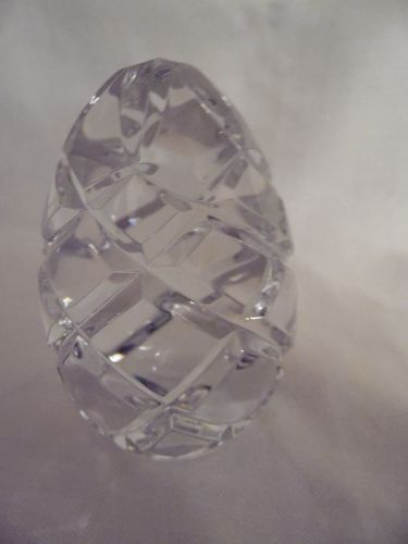 Lovely crystal egg paperweight