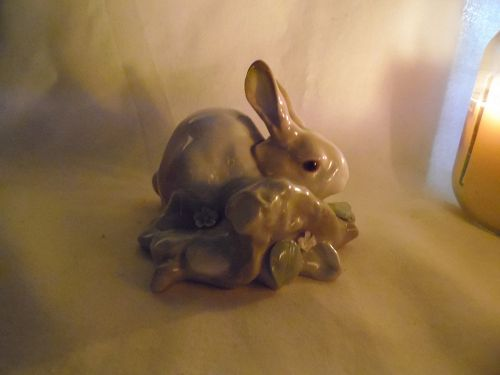 LLadro bunny logs and leaves figurine 4772