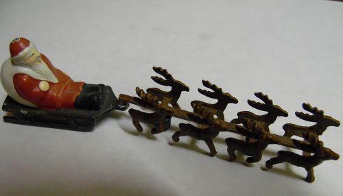 Dept 56 Santa sleigh and reindeer village accessory #5139-0 Retired