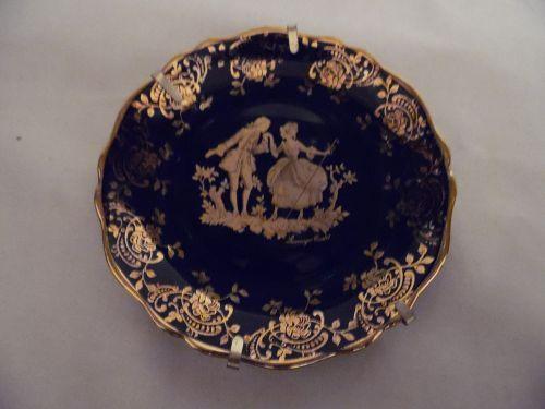 Limoges Castel porcelain plate romantic couple, gold over cobalt blue