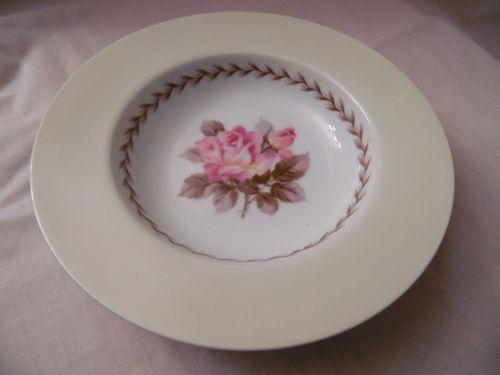 Noritake Nippon Toki Kaisha rimmed soup bowl pink rose center N212