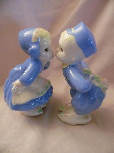 Vintage ceramic Kissing Dutch boy and girl figurines