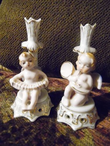 Two Occupied Japan angels playing music mini bud vases