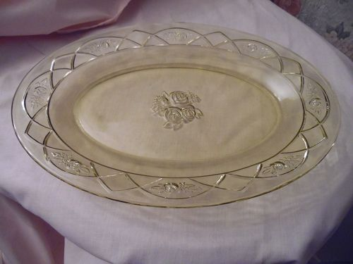 Federal Glass Rosemary, aka Dutch rose amber-yellow oval platter