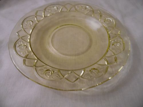 Federal Glass Rosemary, aka Dutch rose amber-yellow single saucer