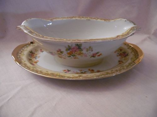 Esco Japan china gravy boat with attached liner