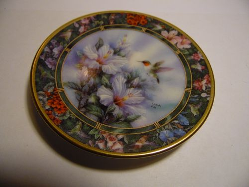 Lena Liu Hummingbird Treasury mini plate Ruby Throated Hummingbird #1