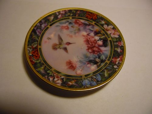 Lena Liu Hummingbird Treasury mini plate Anna's Hummingbird #2