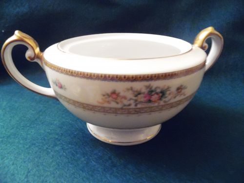 Meito china hand painted sugar bowl bottom Camden pattern Japan