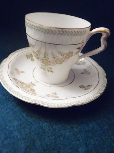 Lovely vintage demitasse Rosenthal RC Bavaria Carmen cup and saucer