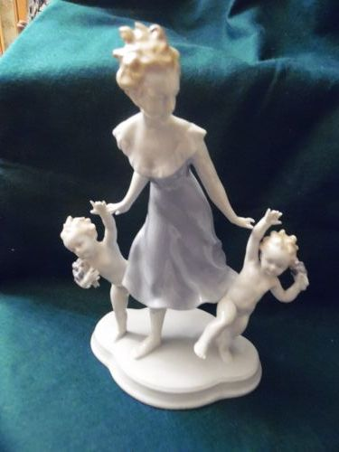 Vintage Metzler & Ortloff German Porcelain Figurine Woman w/twins
