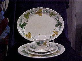 Metlox Vineyard dinnerware pieces
