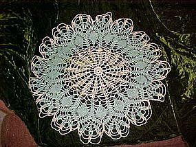 Large pineapple pattern crochet doily