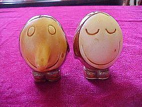 Egghead salt and pepper shakers