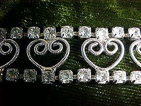 Rhinestone bracelet with heart  filigree