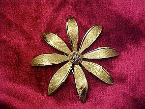 Giovanni silver flower pin