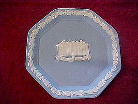 Wedgewood Octagon dish, Cowick Hall, laurel trim