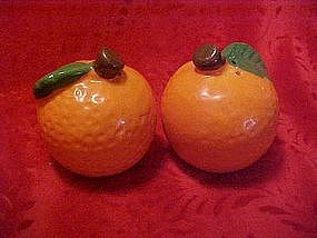 Ceramic oranges salt and pepper shakers set