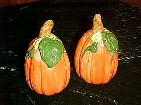 Pumpkin and vine salt and pepper shaker set