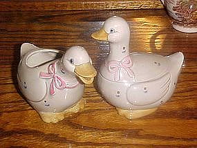 Otagiri grey calico goose, creamer and sugar set