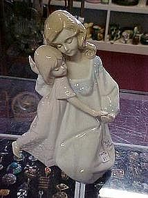 Paul Sebastian, Mother and daughter figure, Lladro look
