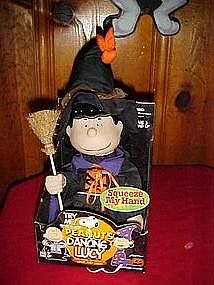 Boo! Peanuts dancing Lucy, Witch costume, plays music
