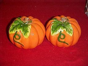 Pumpkin and vine, salt and pepper shakers