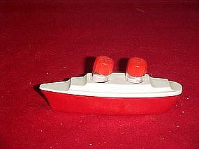 Vintage plastic  ocean liner salt and pepper shakers