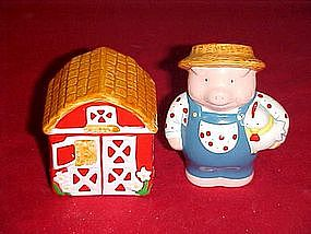Russ, Farmer Pig with barn salt and pepper shakers