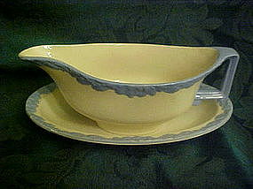 Johnson Brothers English Oak, gravy boat and liner