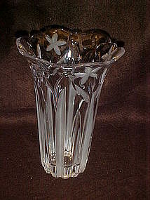 Lead crystal flower vase with flower design