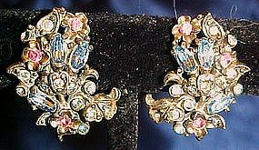 Vintage Hollycraft rhinestone clip earrings