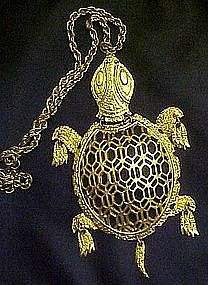 Large goldtone retro turtle pendant, moveable parts